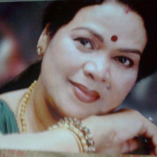 Anita Das Photos